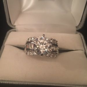 925 silver cubic zircon ring about size 9
